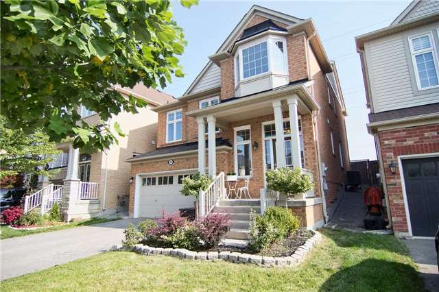 Detached at 31 Bulmer Cres, Newmarket, Ontario. Image 14