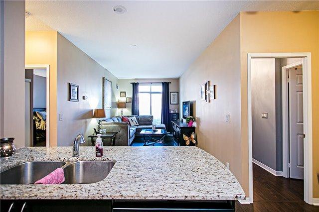 Condo Apartment at 75 King William Cres, Unit 104, Richmond Hill, Ontario. Image 15