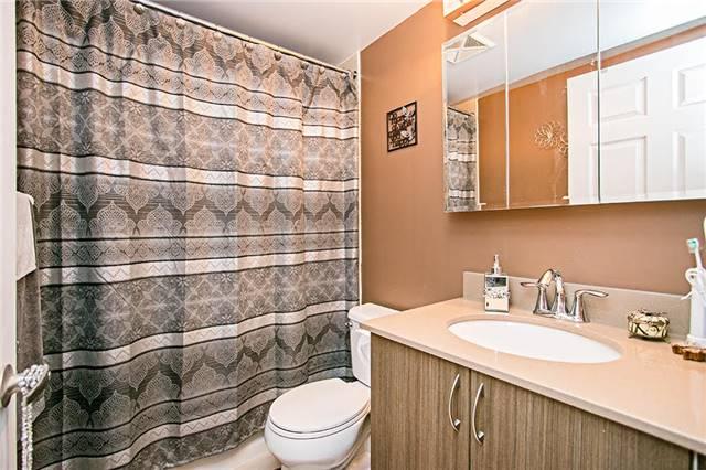 Condo Apartment at 75 King William Cres, Unit 104, Richmond Hill, Ontario. Image 4
