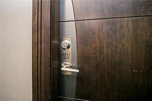 Condo Apartment at 75 King William Cres, Unit 104, Richmond Hill, Ontario. Image 8