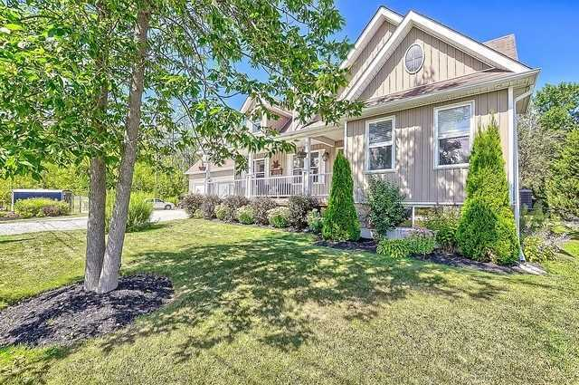 Detached at 1300 Squire St, Innisfil, Ontario. Image 13