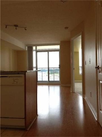 Condo Apartment at 50 Disera Dr, Unit 709, Vaughan, Ontario. Image 6