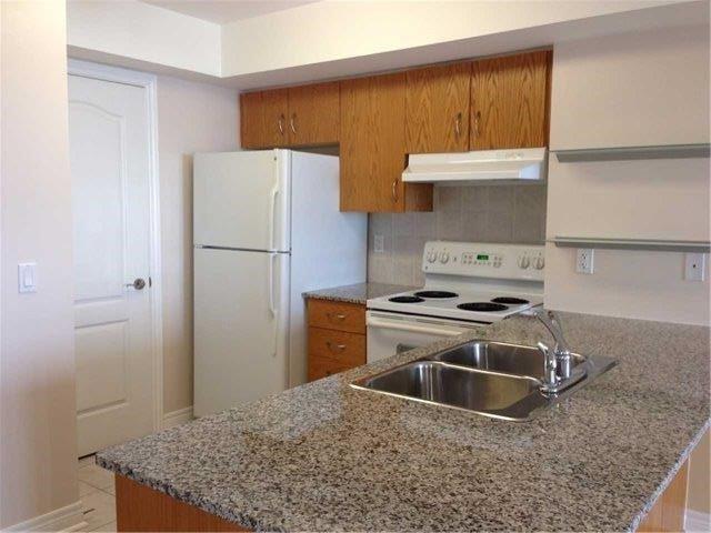 Condo Apartment at 50 Disera Dr, Unit 709, Vaughan, Ontario. Image 7