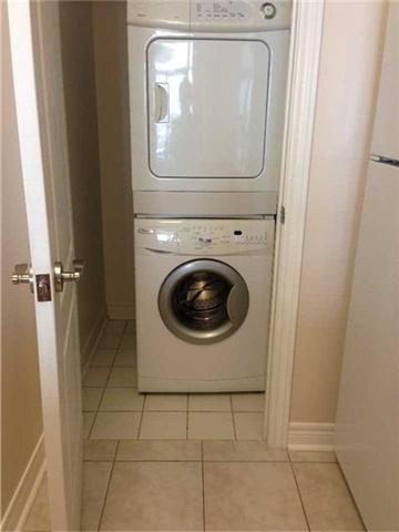 Condo Apartment at 50 Disera Dr, Unit 709, Vaughan, Ontario. Image 10