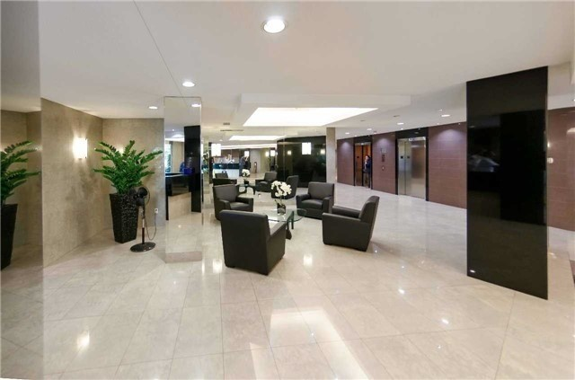 Condo Apartment at 7250 Yonge St, Unit 1701, Vaughan, Ontario. Image 17