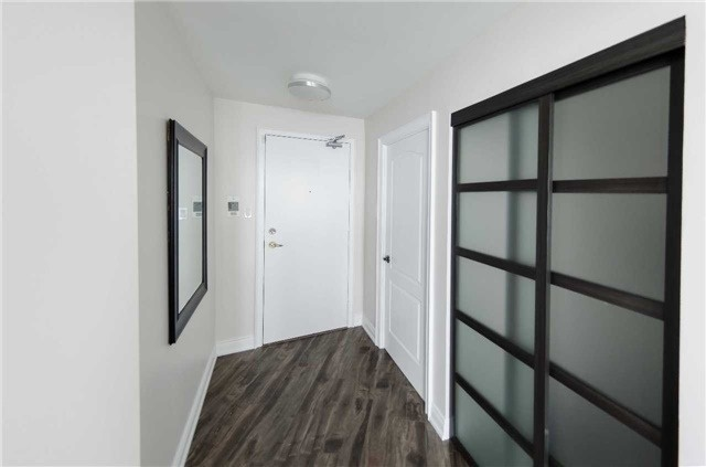 Condo Apartment at 7250 Yonge St, Unit 1701, Vaughan, Ontario. Image 11