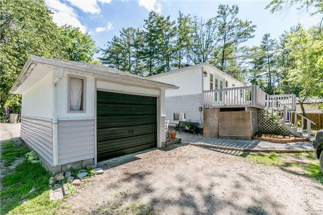 Detached at 967 7th Line, Innisfil, Ontario. Image 12