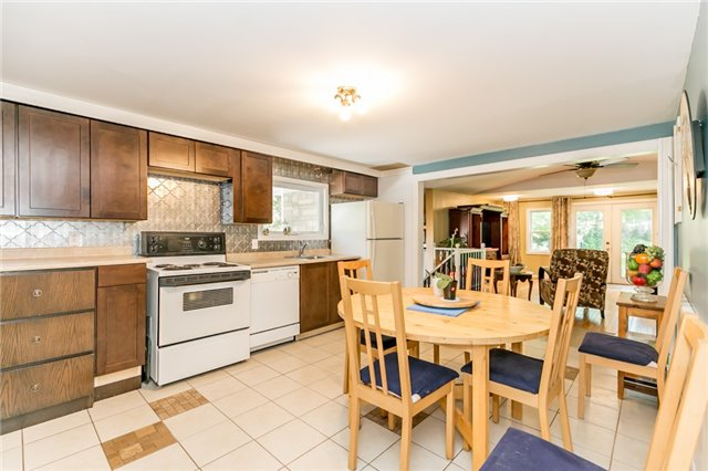 Detached at 967 7th Line, Innisfil, Ontario. Image 18