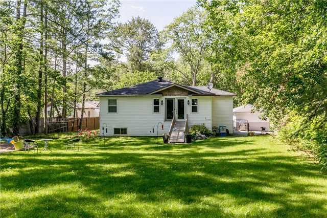 Detached at 967 7th Line, Innisfil, Ontario. Image 13