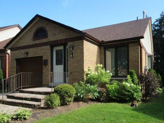 Condo Detached at 7 Green Briar Rd, New Tecumseth, Ontario. Image 1