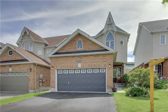 Detached at 1181 Booth Ave, Innisfil, Ontario. Image 1