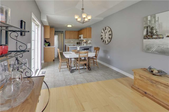 Detached at 1181 Booth Ave, Innisfil, Ontario. Image 17