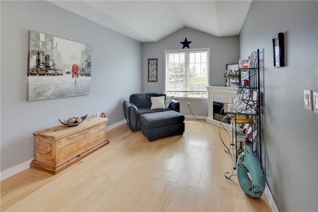 Detached at 1181 Booth Ave, Innisfil, Ontario. Image 18