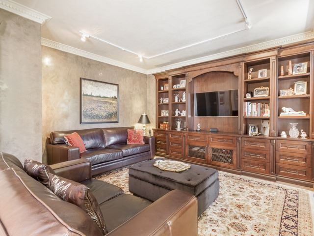 Detached at 91 Dinsdale Dr, Vaughan, Ontario. Image 20