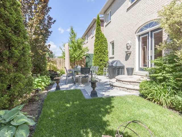 Detached at 91 Dinsdale Dr, Vaughan, Ontario. Image 13