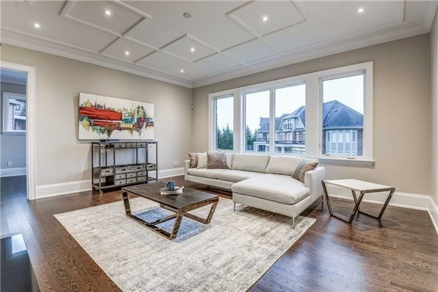 Detached at 31 Winterlude Crt, Vaughan, Ontario. Image 2