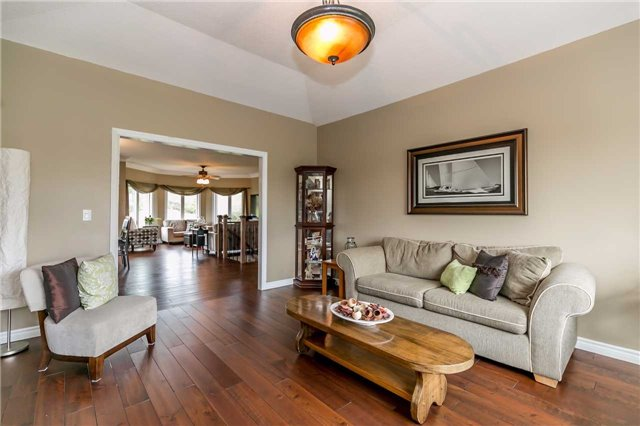 Detached at 6814 7th Line, New Tecumseth, Ontario. Image 16