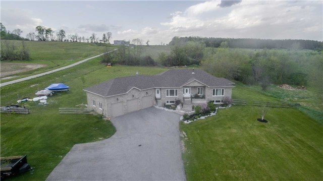 Detached at 6814 7th Line, New Tecumseth, Ontario. Image 11