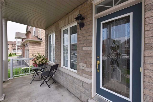 Detached at 61 Maroon Dr, Richmond Hill, Ontario. Image 12