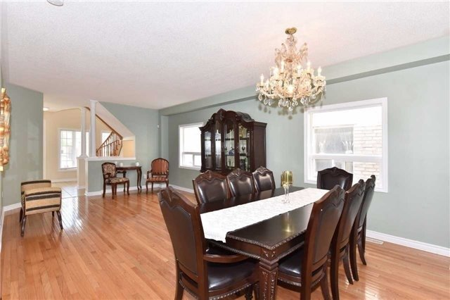 Detached at 61 Maroon Dr, Richmond Hill, Ontario. Image 16