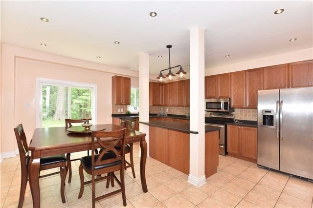 Detached at 61 Maroon Dr, Richmond Hill, Ontario. Image 17