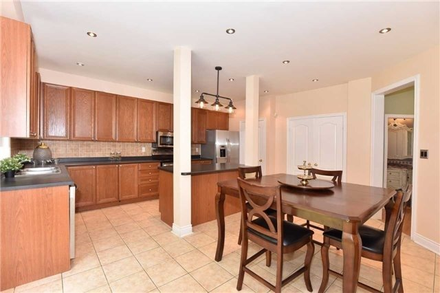 Detached at 61 Maroon Dr, Richmond Hill, Ontario. Image 19