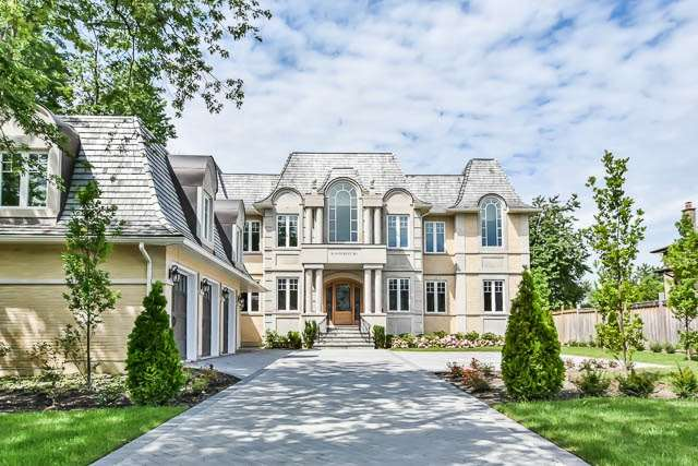 Detached at 18 Doncrest Rd, Richmond Hill, Ontario. Image 1