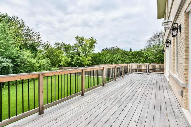 Detached at 18 Doncrest Rd, Richmond Hill, Ontario. Image 13