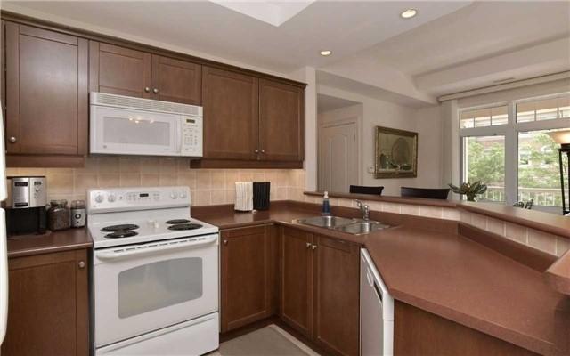 Condo Apartment at 78 Sunset Blvd, Unit 210, New Tecumseth, Ontario. Image 14