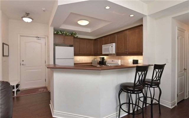 Condo Apartment at 78 Sunset Blvd, Unit 210, New Tecumseth, Ontario. Image 17