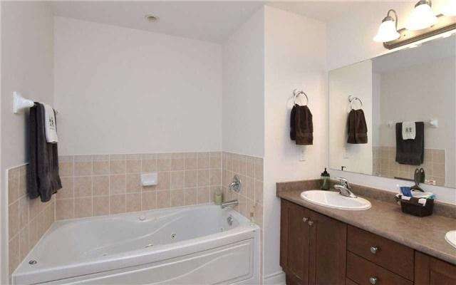 Condo Apartment at 78 Sunset Blvd, Unit 210, New Tecumseth, Ontario. Image 9