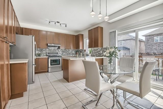 Detached at 102 Timna Cres, Vaughan, Ontario. Image 17