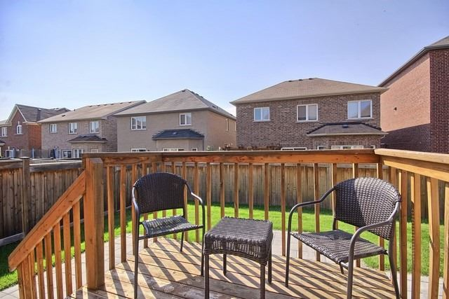 Detached at 102 Timna Cres, Vaughan, Ontario. Image 13