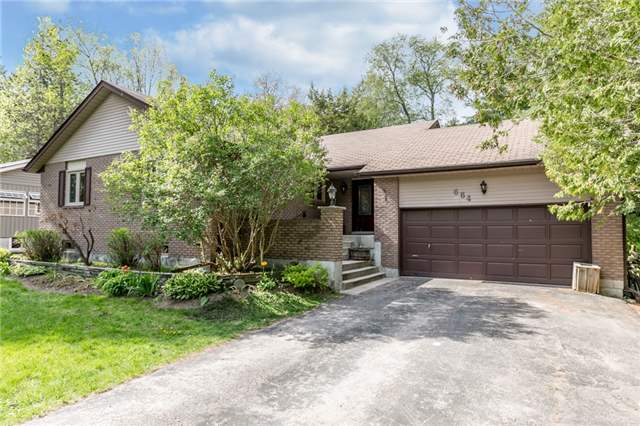 Detached at 664 Pinegrove Ave, Innisfil, Ontario. Image 1