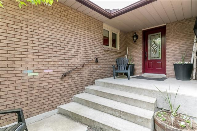 Detached at 664 Pinegrove Ave, Innisfil, Ontario. Image 7