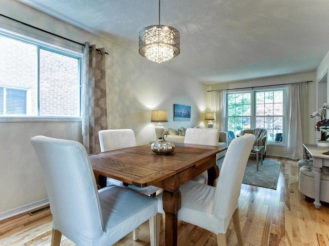 Detached at 843 Firth Crt, Newmarket, Ontario. Image 16