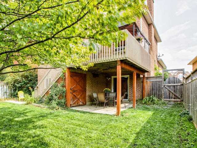 Detached at 843 Firth Crt, Newmarket, Ontario. Image 11