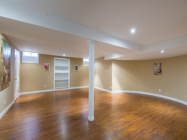 Detached at 3 Atlas Crt, Richmond Hill, Ontario. Image 11