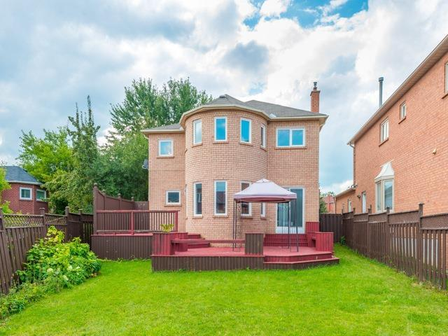 Detached at 3 Atlas Crt, Richmond Hill, Ontario. Image 13