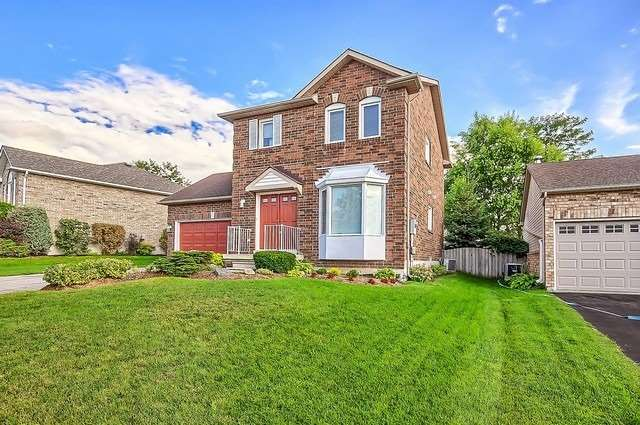 Detached at 11 Kingsgate Cres, East Gwillimbury, Ontario. Image 1