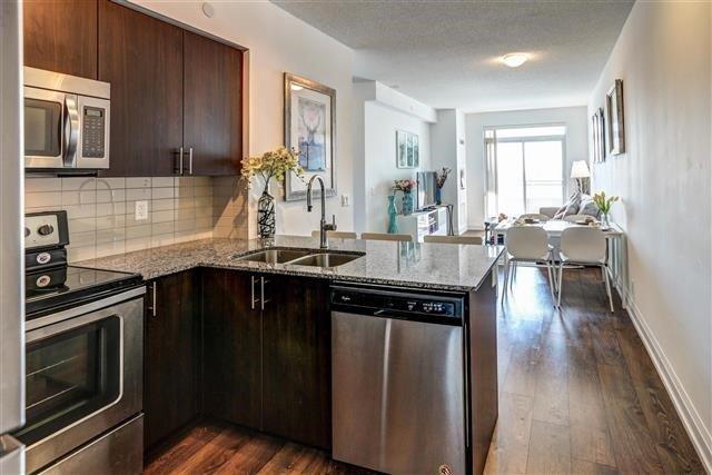 Condo Apartment at 7890 Bathurst St, Unit 1804, Vaughan, Ontario. Image 14
