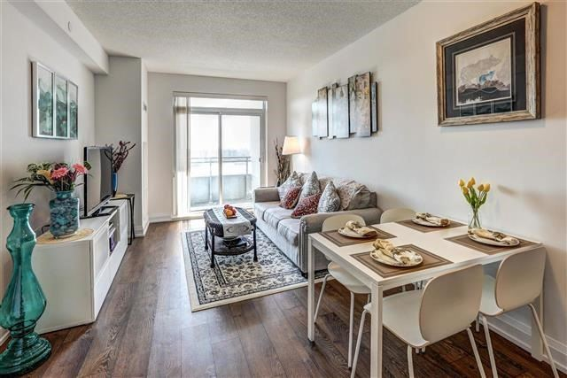 Condo Apartment at 7890 Bathurst St, Unit 1804, Vaughan, Ontario. Image 15