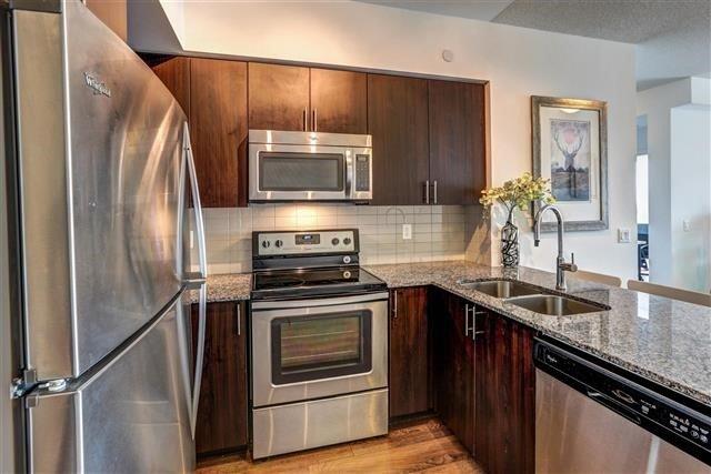 Condo Apartment at 7890 Bathurst St, Unit 1804, Vaughan, Ontario. Image 2