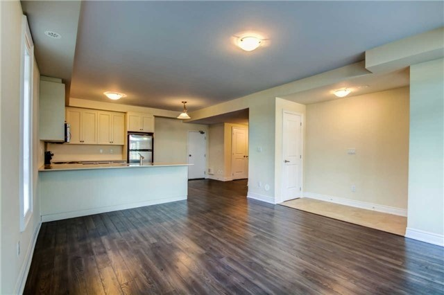 Condo Townhouse at 9621 Jane St, Unit 1, Vaughan, Ontario. Image 4