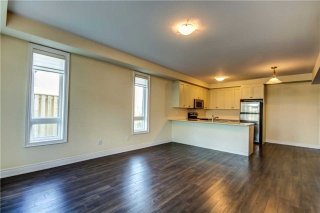 Condo Townhouse at 9621 Jane St, Unit 1, Vaughan, Ontario. Image 5
