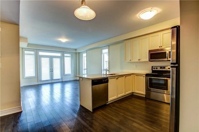 Condo Townhouse at 9621 Jane St, Unit 1, Vaughan, Ontario. Image 6