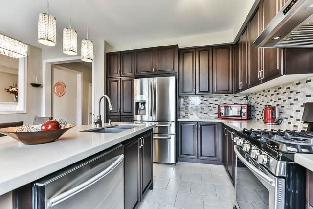 Detached at 151 Glad Park Ave, Whitchurch-Stouffville, Ontario. Image 17
