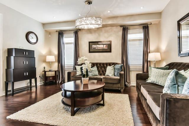 Detached at 151 Glad Park Ave, Whitchurch-Stouffville, Ontario. Image 2