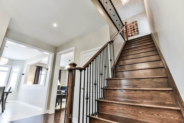 Detached at 151 Glad Park Ave, Whitchurch-Stouffville, Ontario. Image 5