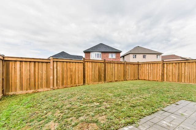 Detached at 151 Glad Park Ave, Whitchurch-Stouffville, Ontario. Image 11